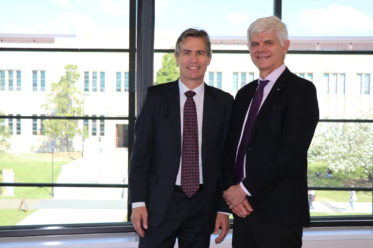 Newcrest Mining Ltd Executive General Manager Public Affairs and Social Performance Ian Kemish, and UQ Vice-Chancellor and President Professor Peter Høj