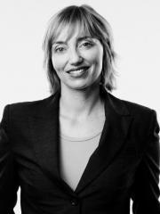 Dr Claire Côte
