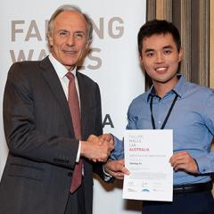 PhD student Ziming Ye with Dr Alan Finkel at Falling Walls Lab Australia